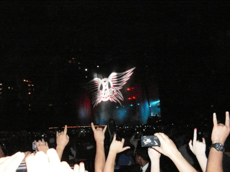Fãs enlouquecidos no início do show do Aerosmith