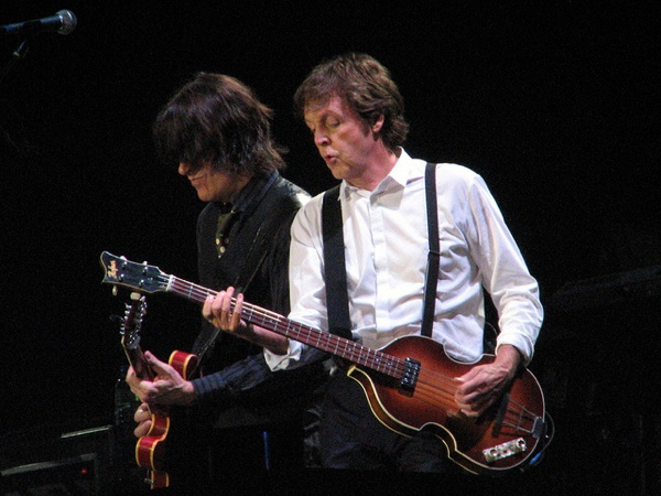 Rusty Anderson e Paul McCartney