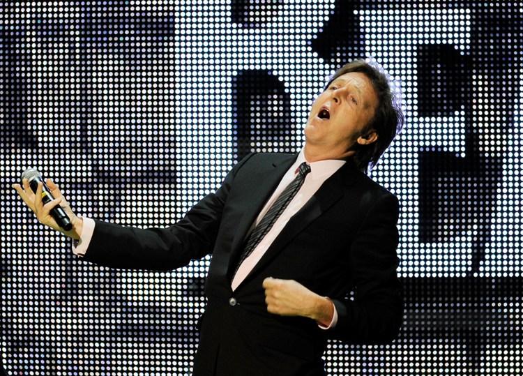 Enquanto Paul McCartney esgota ingressos em poucas horas, outros eventos lutam para atrair público