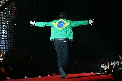 Bono Vox, vocalista do U2 (Foto: AE / J. F. Diorio)