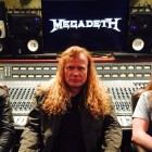Dave Mustaine, Kiko Loureiro e Chris Adler